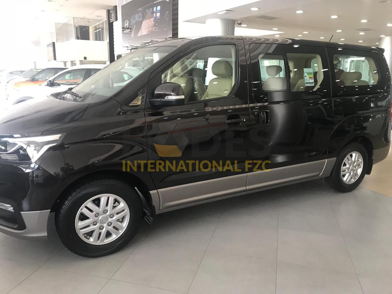 Hyundai H-1 Petrol 12 seats Sunroof AT 2020 Model