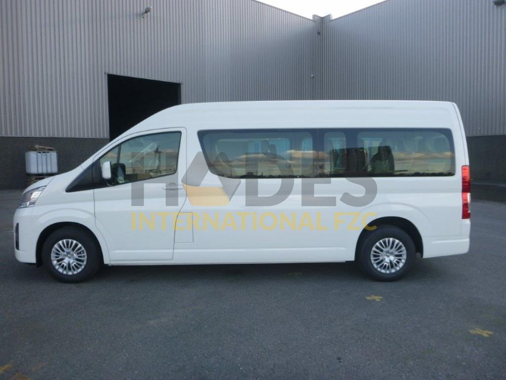 Toyota Hiace 3,5 Petrol, 13 seater GL Manual– High Roof 2020 model