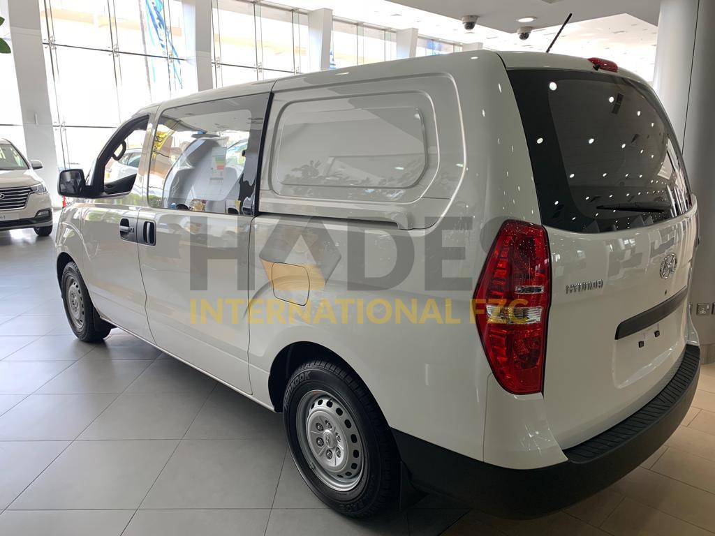 Hyundai H-1 Petrol 2,4L V4 Manual Transmission 6 sears Panel VAN 2020